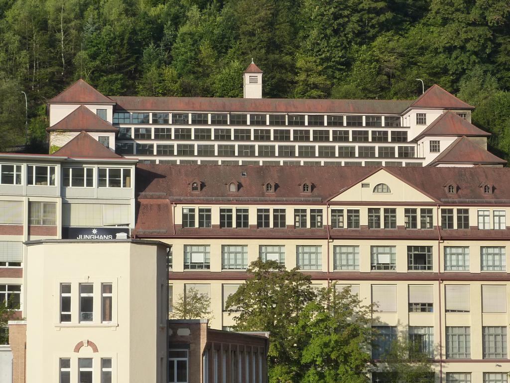 Bauer Elektroplanung Referenz Junghans Terrassenbau